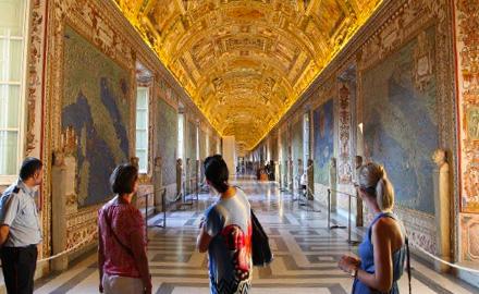 Экскурсии по Ватикану  - вечернее посещение Галерей и Географических карт с  IWU