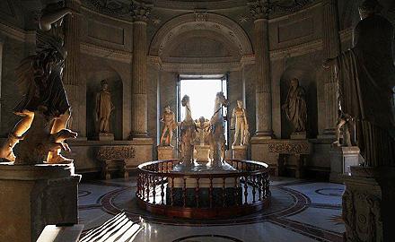 Экскурсии по Ватикану  - вечернее посещение Ватиканских музеев с  IWU