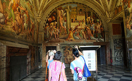 Экскурсии по Ватикану  - вечернее посещение Станци Рафаэля с  IWU
